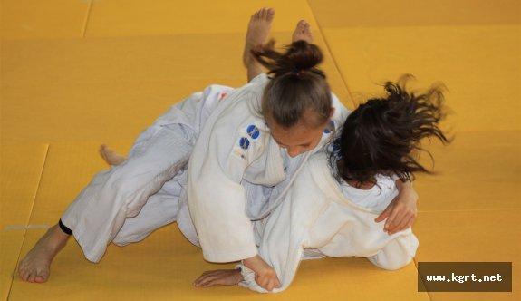 Türk Dil Kupası Judo Şampiyonasında Kupalar Sahiplerini Buldu