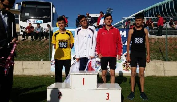 Karamanlı Atlet Erzurum'da Rüzgâr Gibi Esti
