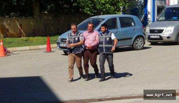 MİT Ve Jandarma Mensubuyum' Diyerek 10 Kişiden 500 Bin Lira Dolandırdı