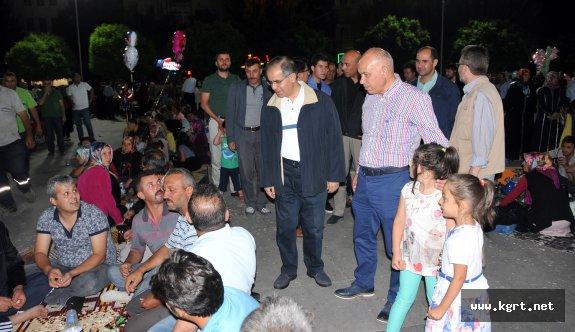 Karaman Halkı Demokrasi Nöbetine Devam Ediyor