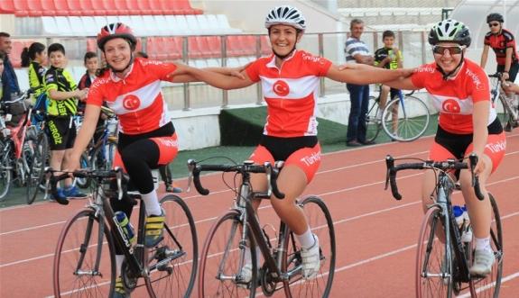 Karamanlı Bisikletçiler Sivas'ta Şampiyonluk Peşinde