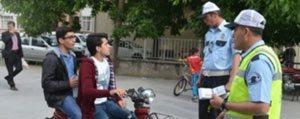 Elektrikli Bisiklet Kullananlarda Artik Kask Ve Gözlük Takacak