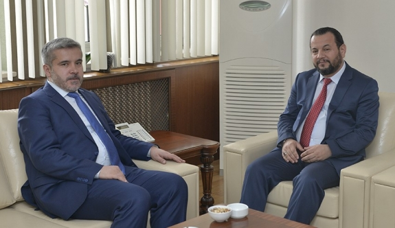 Aksaray Üniversitesi Rektörü Şahin'den KMÜ Rektörü Akgül'e Tebrik