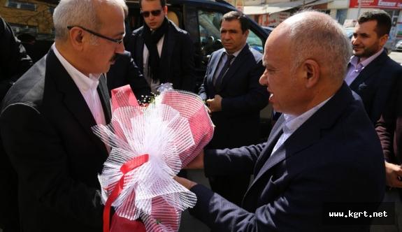 Bakan Elvan Karaman Belediyesi'ni Ziyaret Etti