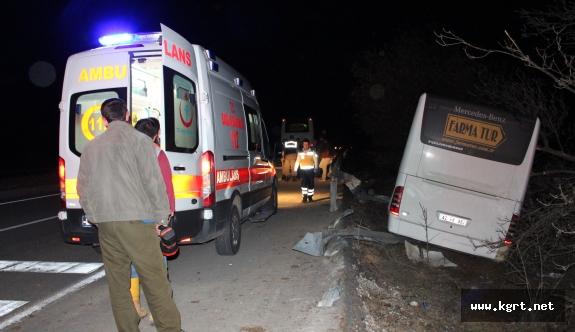 Konya'da Tur Otobüsü Kaza Yaptı: 15 Yaralı