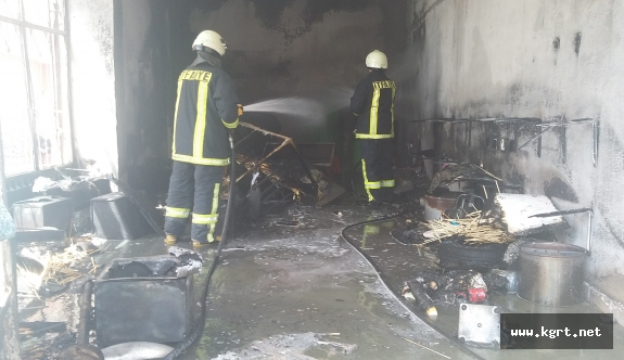 Baloncu Dükkanında Çıkan Yangındaki Patlamalar Korkuttu