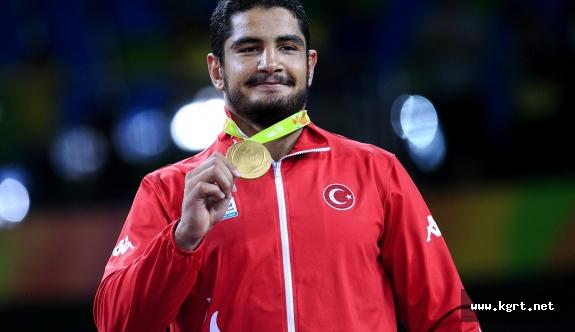 Olimpiyat Ve Dünya Şampiyonu Taha Akgül, TMOK Sporcu Komisyonu Başkanı Oldu