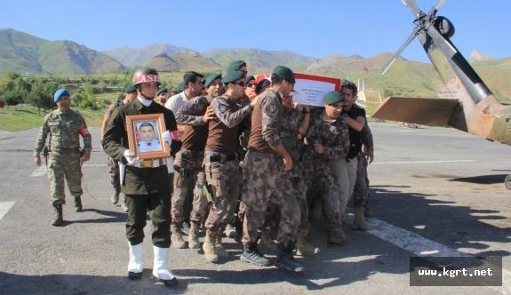 Şehit Özel Harekatçı Dündar İçin Hakkari'de Tören Düzenlendi