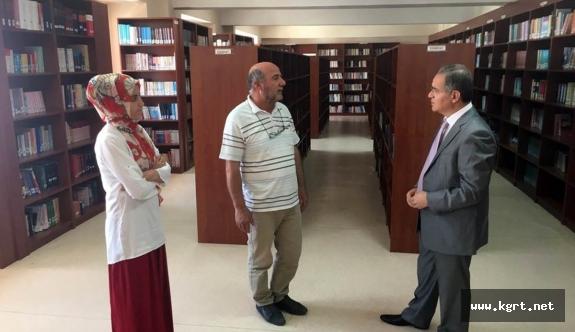 Vali Tapsız'dan Türkoloji Merkezi Türkçe Kütüphanesine Ziyaret