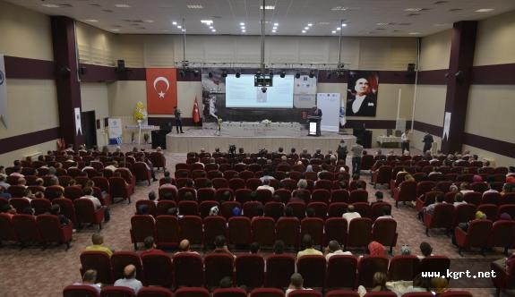Karaman'da Bilim Ve Eğitim-Öğretim Dili Türkçe Konferans Ve Paneli
