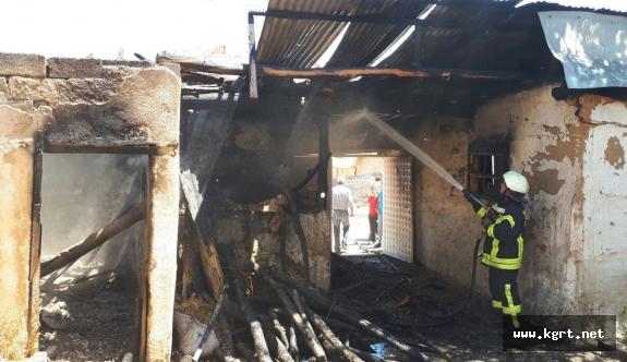 Karaman'da Su Isıtmak İçin Yakılan Ocak, Aşhaneyi Yaktı