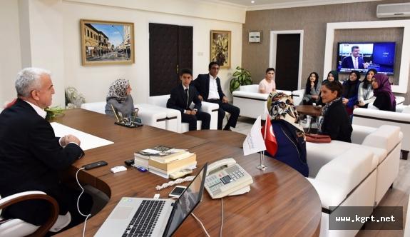 Anadolu Mektebinin Öğrencileri Mustafa Kutlu'yu Anlatacak