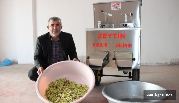 Karamanlı Torna Ustası, Saatte 1 Ton Zeytin Kıran Ve Dilen Makine Yaptı