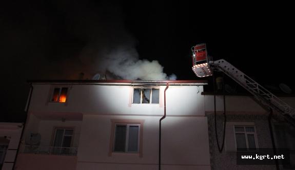 5 Katlı Apartmanın Teras Katında Çıkan Yangın Korkuttu