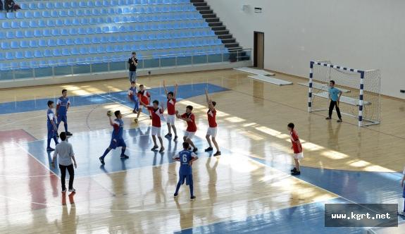 KMÜ'de 'Yaşasın Hentbol' Turnuvası Başladı