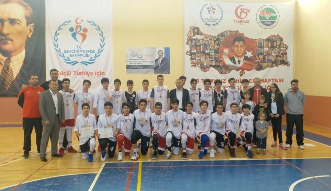 Anadolu Yıldızlar Ligi Basketbol Çeyrek Final Müsabakaları Karaman'da Tamamlandı