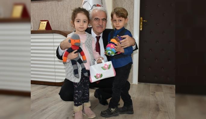 Medine Ve Yaşar Evcen Anaokulundan Sevgini Ver, Emeğini Ver Projesi