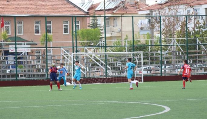 Okullararası Küçükler Futbol Grup Müsabakaları Sona Erdi