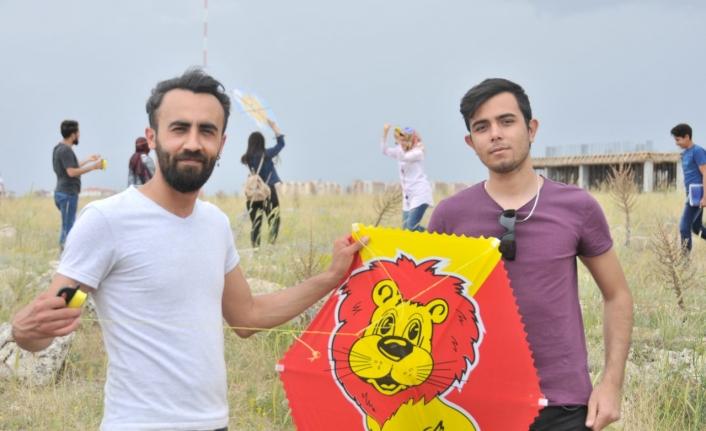 Hıdrellez'de Rengarenk Uçurtmalar Gökyüzüne Bırakıldı