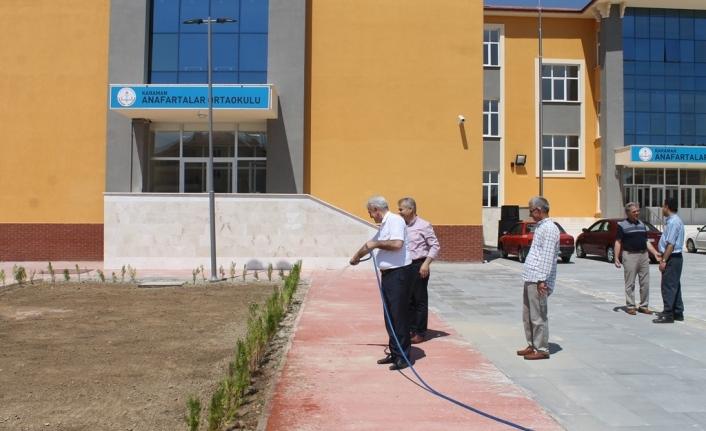 Kuntoğlu, Yapımı Devam Eden Bina Ve Okullarda İncelemelerde Bulundu