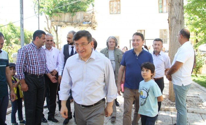 Davutoğlu Ve Babacan''dan Sürpriz Ermenek Ziyareti
