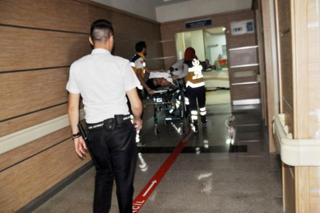 Köpekleriyle Birlikte Hastaneye Geldi