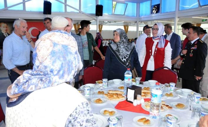 Vali Meral Şehit Aileleri ve Gaziler Onuruna Verilen Yemeğe Katıldı