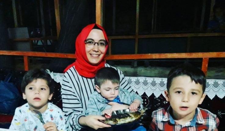 Yunanistan'a Kaçmaya Çalışan Karamanlı Aile Bot Kazasında Hayatını Kaybetti