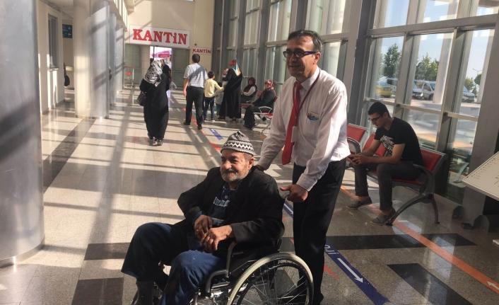 Karaman Devlet Hastanesinde Hastalar Kapıda Karşılanıyor