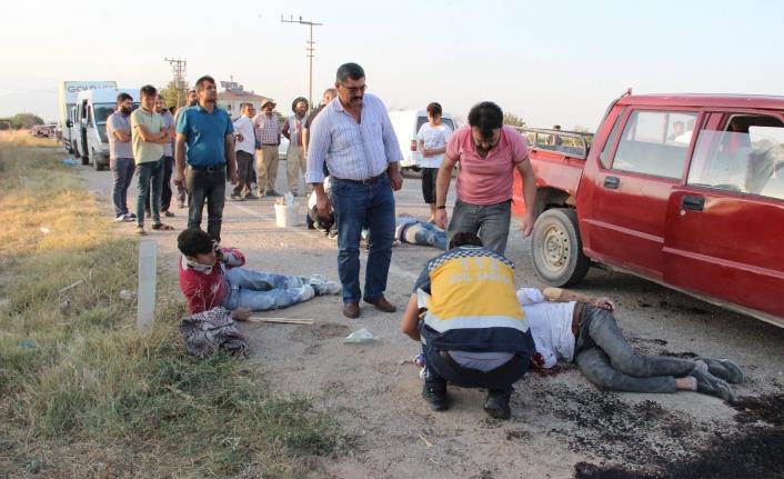 İnşaat İşçilerini Taşıyan Araçla Otomobil Çarpıştı: 9 Yaralı