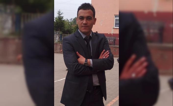 Ölüm Genç Öğretmeni Halı Sahada Yakaladı