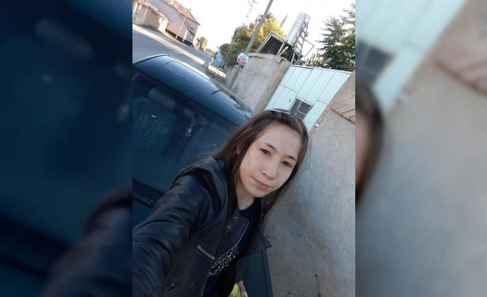 14 Yaşındaki Kızdan Haber Alınamıyor
