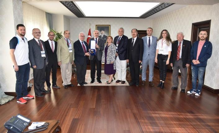Türkiye Milli Olimpiyat Komitesi Fair Play Komisyonundan Vali Meral'e Nezaket Ziyareti