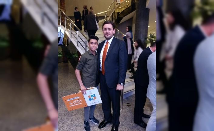 7. Türkiye Değer Ödülleri'nde Karamanlı Öğrenci Türkiye Birincisi Oldu