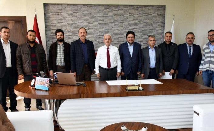 Anadolu Gençlik Derneğinden İl Müdürü Kuntoğlu'na Ziyaret