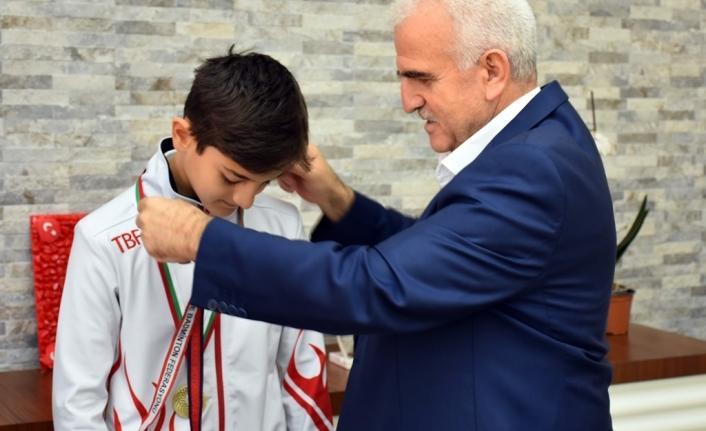 Balkan Şampiyonu Melih Kağan Yavuz'dan Kuntoğlu'na Ziyaret