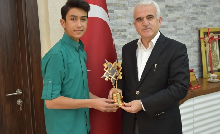 Değer Ödüllerinin Türkiye Birincisinden Kuntoğlu'na Ziyaret