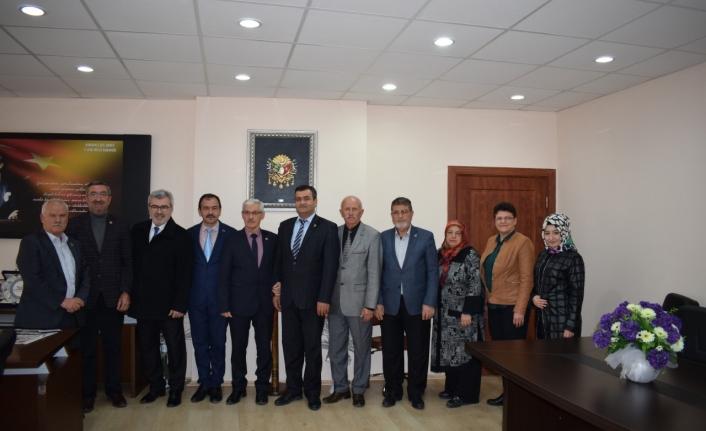 İl Genel Meclisi Üyeleri Belediye Başkanlığına Aday