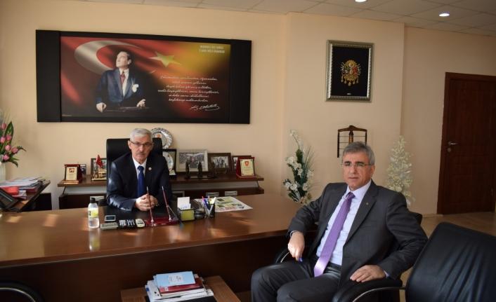 Milli Emlak Müdürü Sümer'den İl Genel Meclisi Başkanı Kapar'a Veda Ziyareti