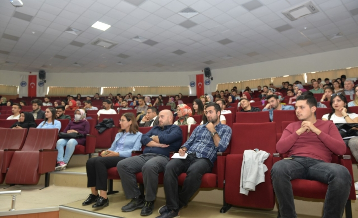 Uluslararası Değişim Programları Bilgilendirme Toplantısı Düzenlendi