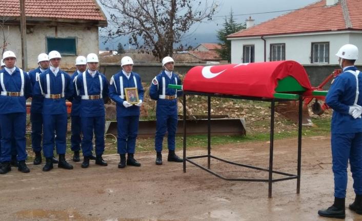 Vali Fahri Meral Kore Gazisinin Cenaze Törenine Katıldı
