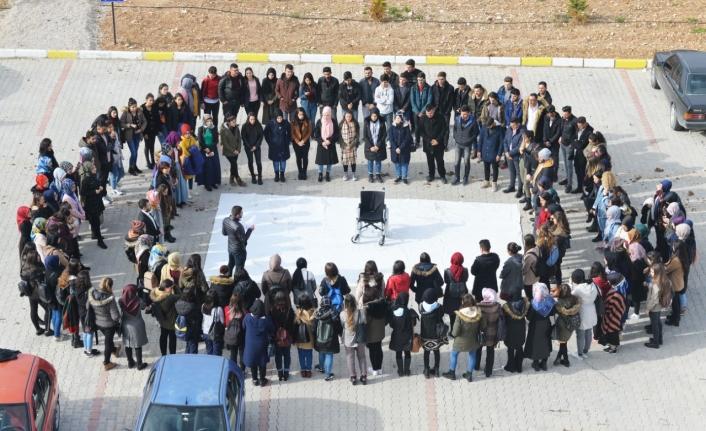 KMÜ'de 'Engelleri Kaldır' Temalı Etkinlik Düzenlendi