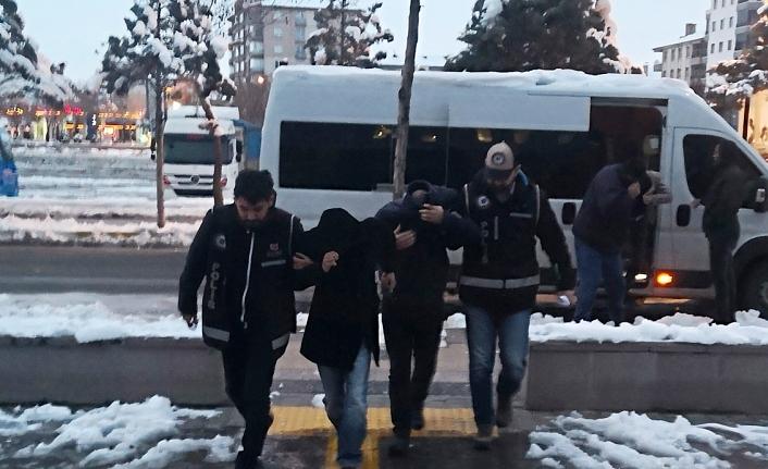 Otomobil Hırsızlık Çetesi Operasyonuna: 3 Tutuklama