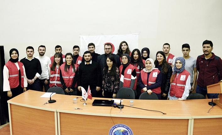 Genç Kızılay Öğrenci Topluluğundan Gönüllülük Eğitimi