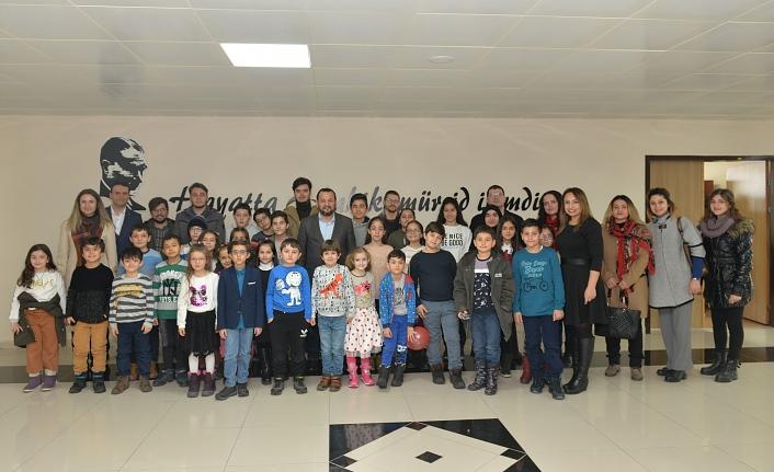 Karamanoğlu Mehmetbey Üniversitesi 'Çocuk Üniversitesi' Öğrencilerinden Rektör Akgül'e Ziyaret