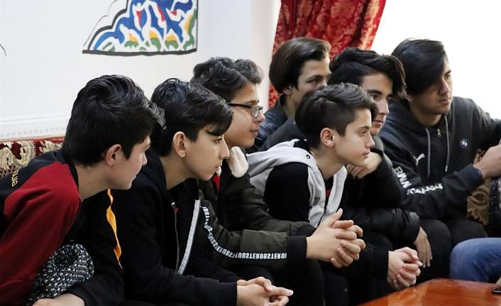 """""""Futbol Kulüpleri Gençlik Merkezi İle Buluşuyor"""" Projesi Başladı"""