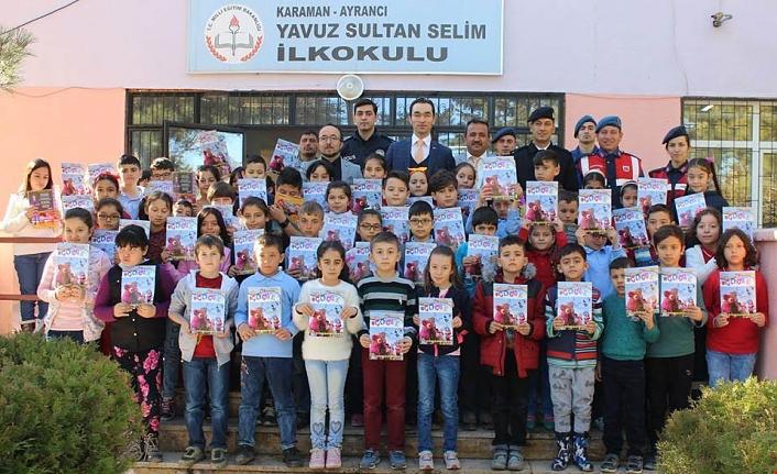 Jandarma Çocuk Dergileri Dağıtıldı