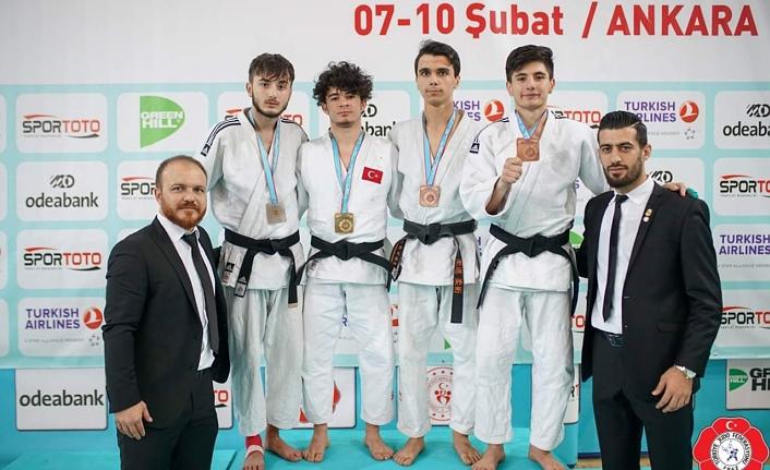 Milli Gururumuz Enes Türkiye Şampiyonasına Adını Yazdırdı