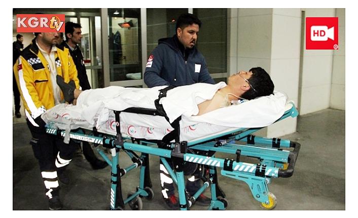 Kavgada Bıçaklanan Afganlı Genç Ağır Yaralandı
