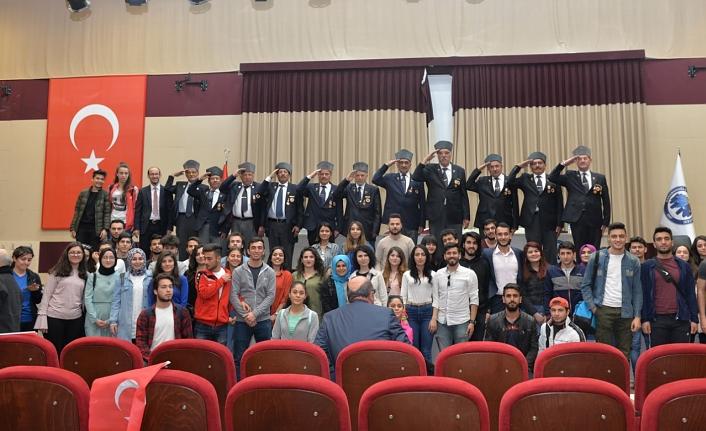 Gaziler ve Şehit Aileleri Üniversiteli Öğrencilerin Konuğu Oldu